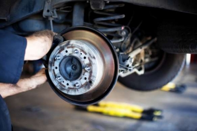 How to understand, isolate, and repair disc brake problems.